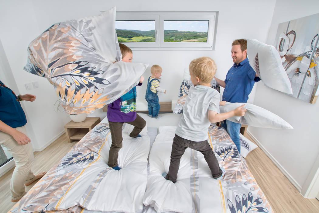 Modern style bedroom by STREIF Haus GmbH Modern