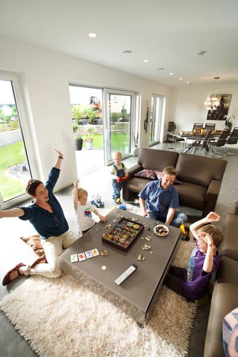 Livings de estilo moderno de STREIF Haus GmbH Moderno