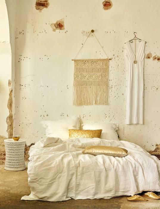 Bianco e oro: come arredare e abbinare i colori: camera da letto in ...
