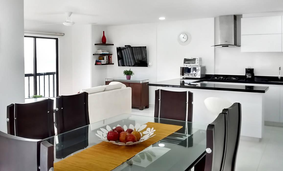 Vista general: Cocinas de estilo  por Remodelar Proyectos Integrales,