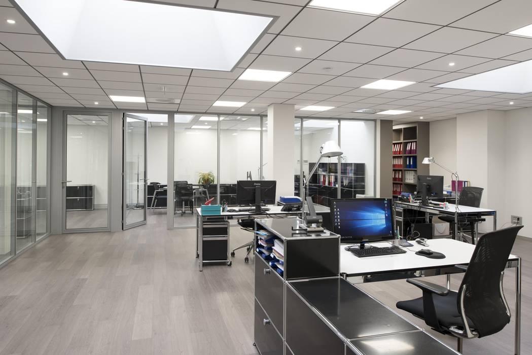 Espace de travail ouvert : Bureau de style de style Minimaliste par réHome