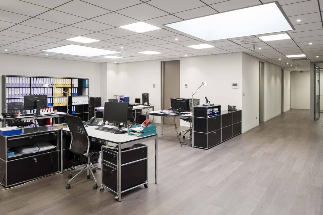 Open space bureaux: Bureau de style  par réHome