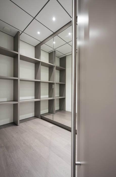Espace de rangement: Bureau de style de style Moderne par réHome