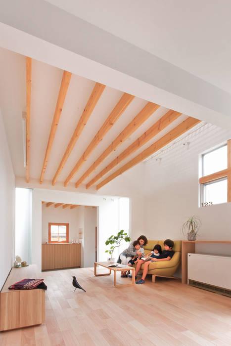 Casas de estilo escandinavo de ALTS DESIGN OFFICE Escandinavo Madera Acabado en madera