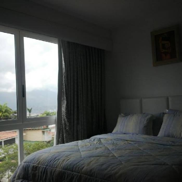 Modern Bedroom by THE muebles Modern