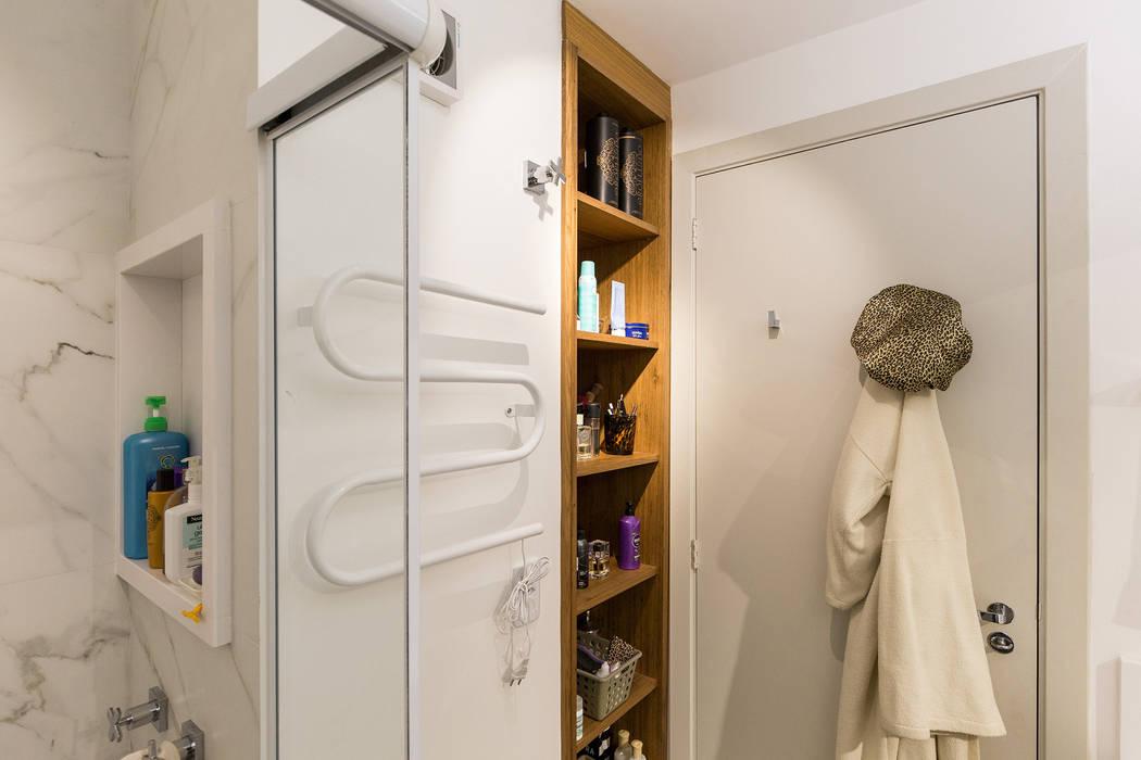 Scandinavian style bathroom by Kali Arquitetura Scandinavian