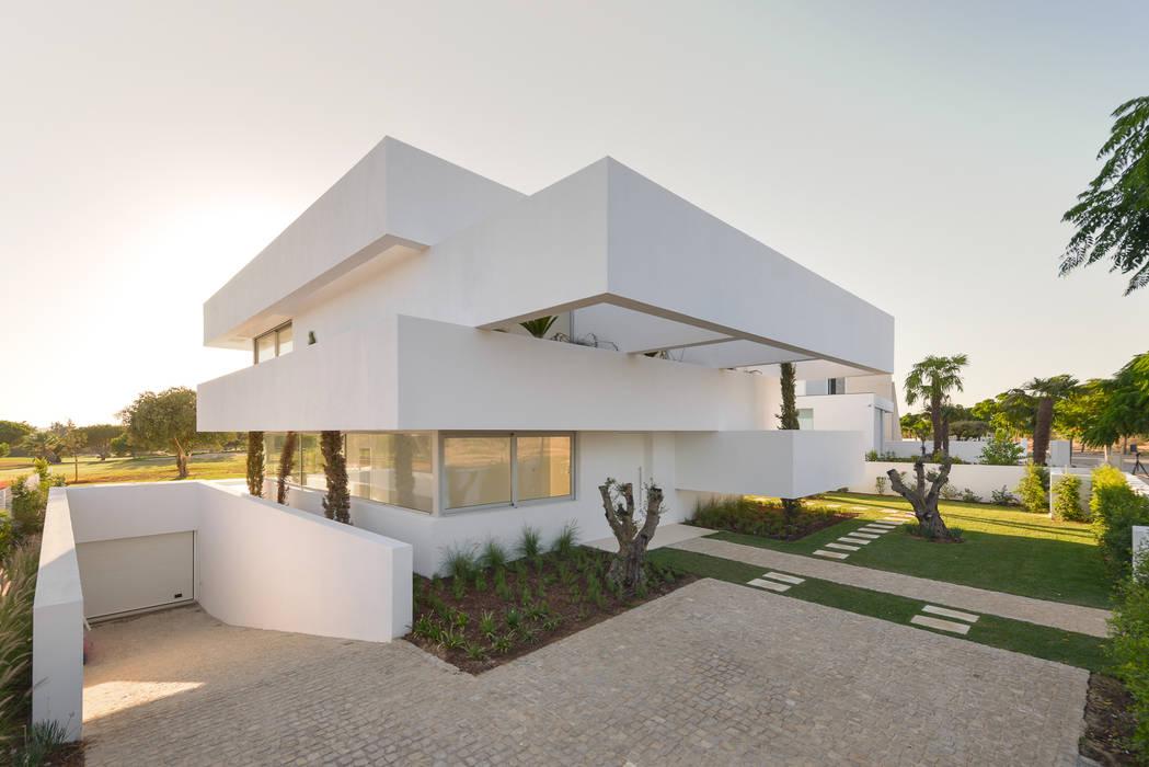 Casas de estilo  por Corpo Atelier