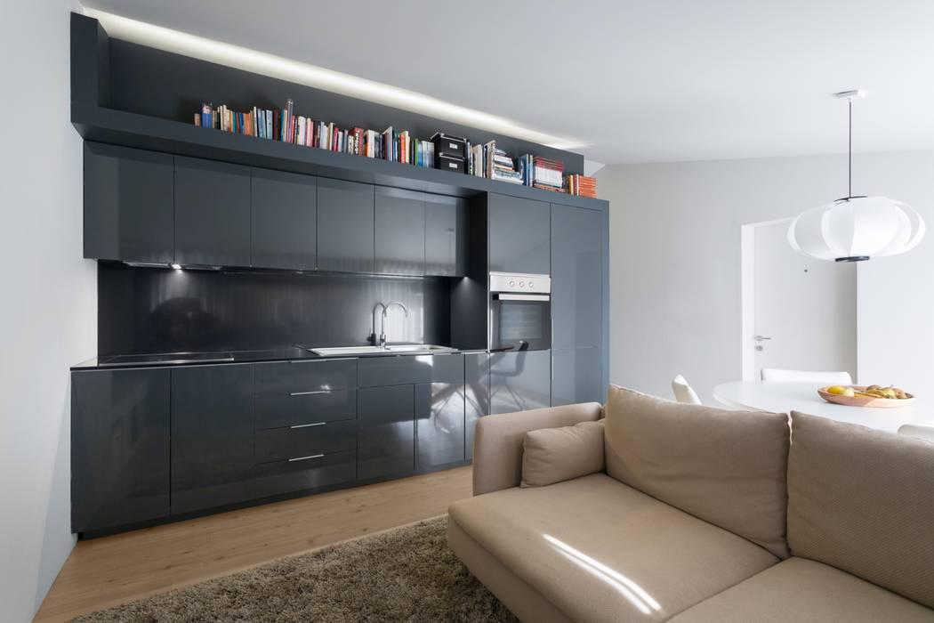 SS Apartment PAULO MARTINS ARQ&DESIGN Salas de estar minimalistas