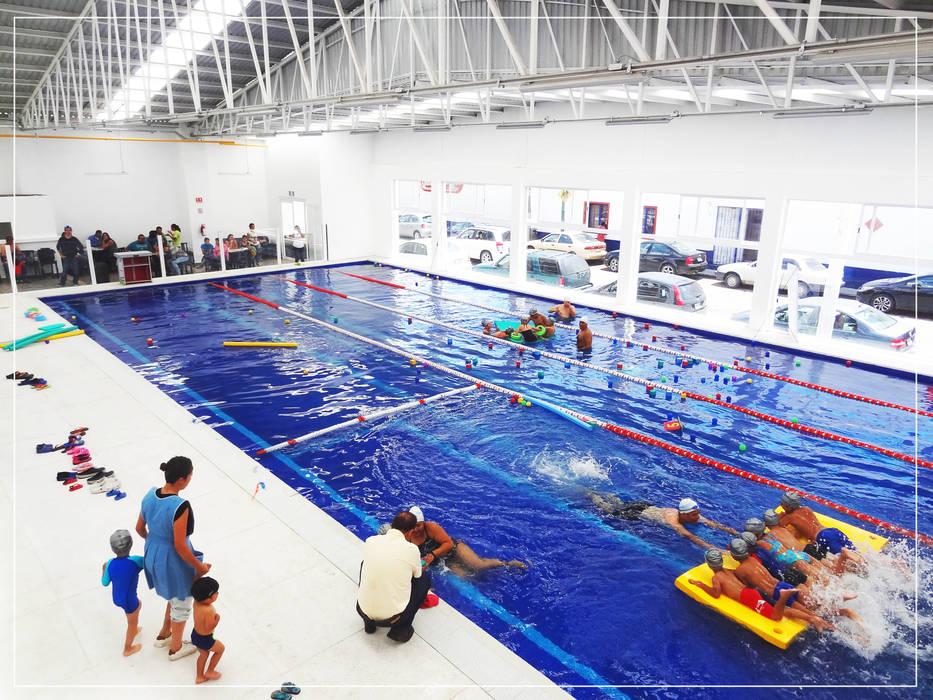 Alberca Pedagógica (Foto): Escuelas de estilo  por NUV Arquitectura