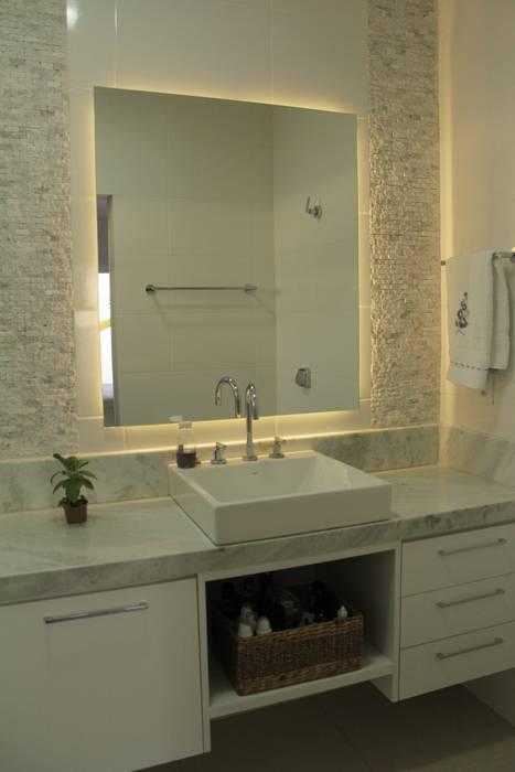 Lozí - Projeto e Obra Minimalist bathroom
