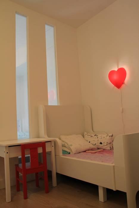 Chambre d'enfant: Chambre d'enfant de style  par C'Design architectes d'intérieur