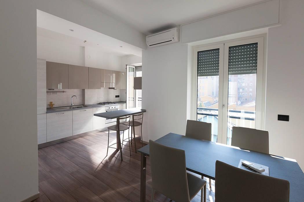 Casa privata a Milano Cucina moderna di Laura Galli Architetto Moderno
