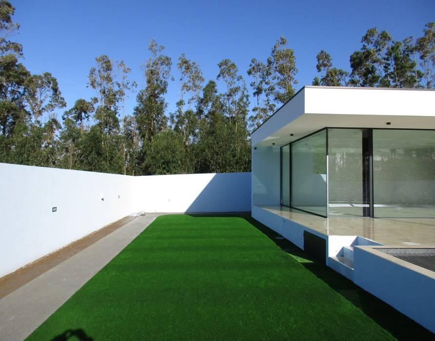 Jardins  por Utopia - Arquitectura e Enhenharia Lda