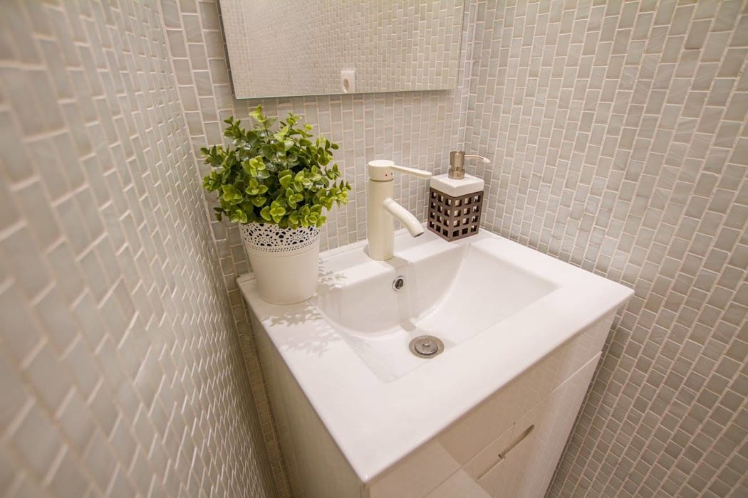 GRAU.ZERO Arquitectura Modern style bathrooms