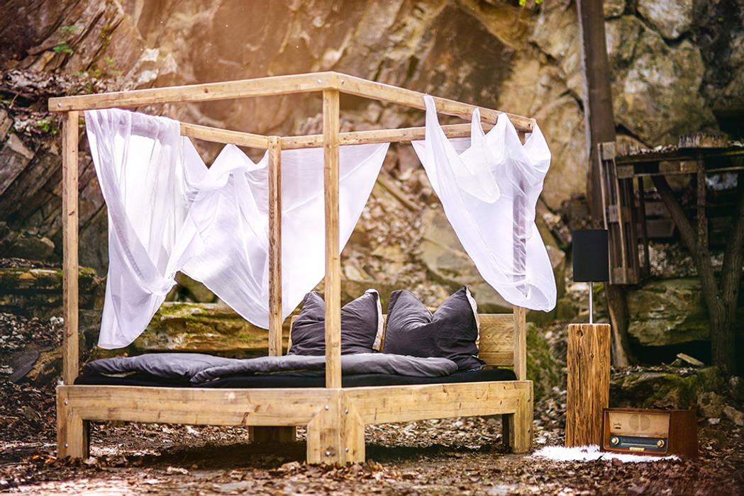 canopy bed Cuartos de estilo rural de edictum - UNIKAT MOBILIAR Rural
