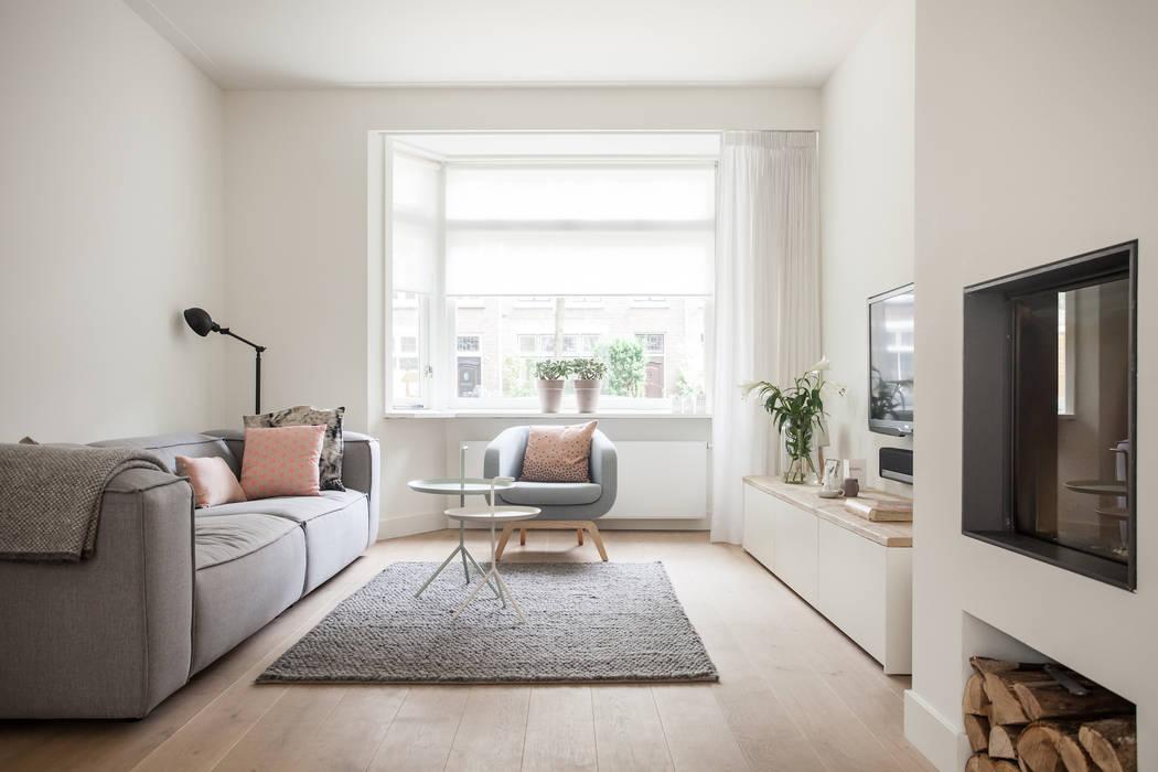Livings de estilo escandinavo de Bob Romijnders Architectuur & Interieur Escandinavo