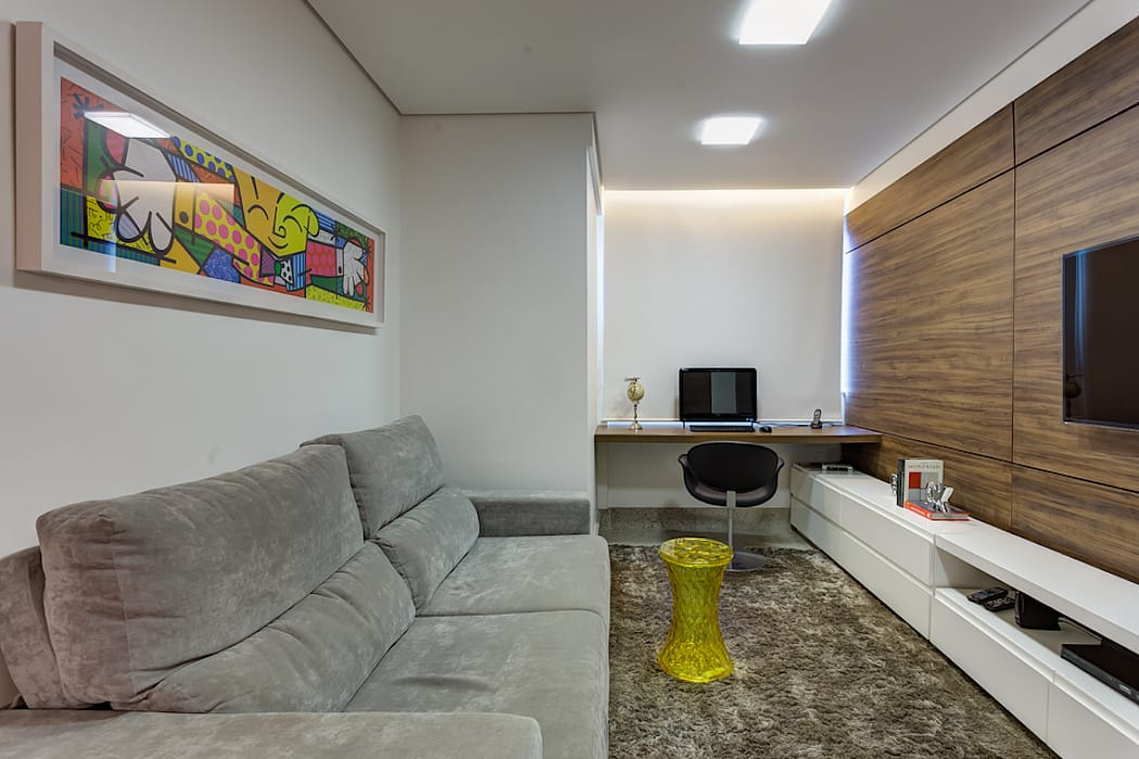 TV/Home Office por CAMILA FERREIRA ARQUITETURA E INTERIORES