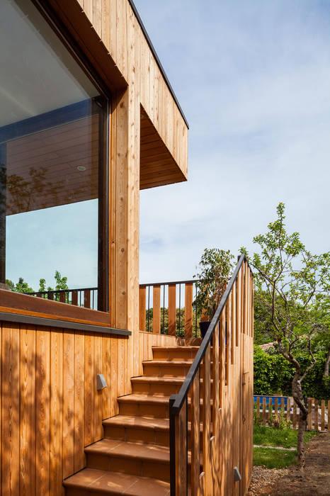 現代房屋設計點子、靈感 & 圖片 根據 Papik Cases Passives 現代風