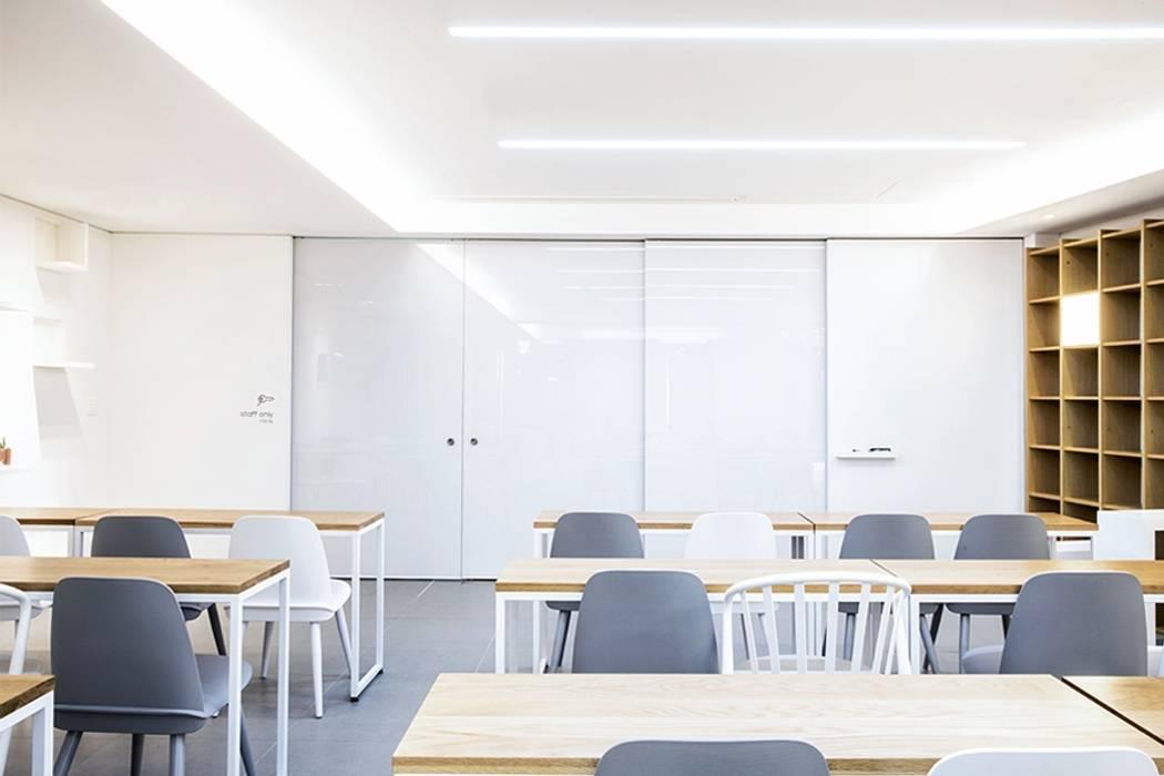 The LINA Senior Campus _라이나생명 '전성기캠퍼스' 모던스타일 서재 / 사무실 by 지오아키텍처 모던