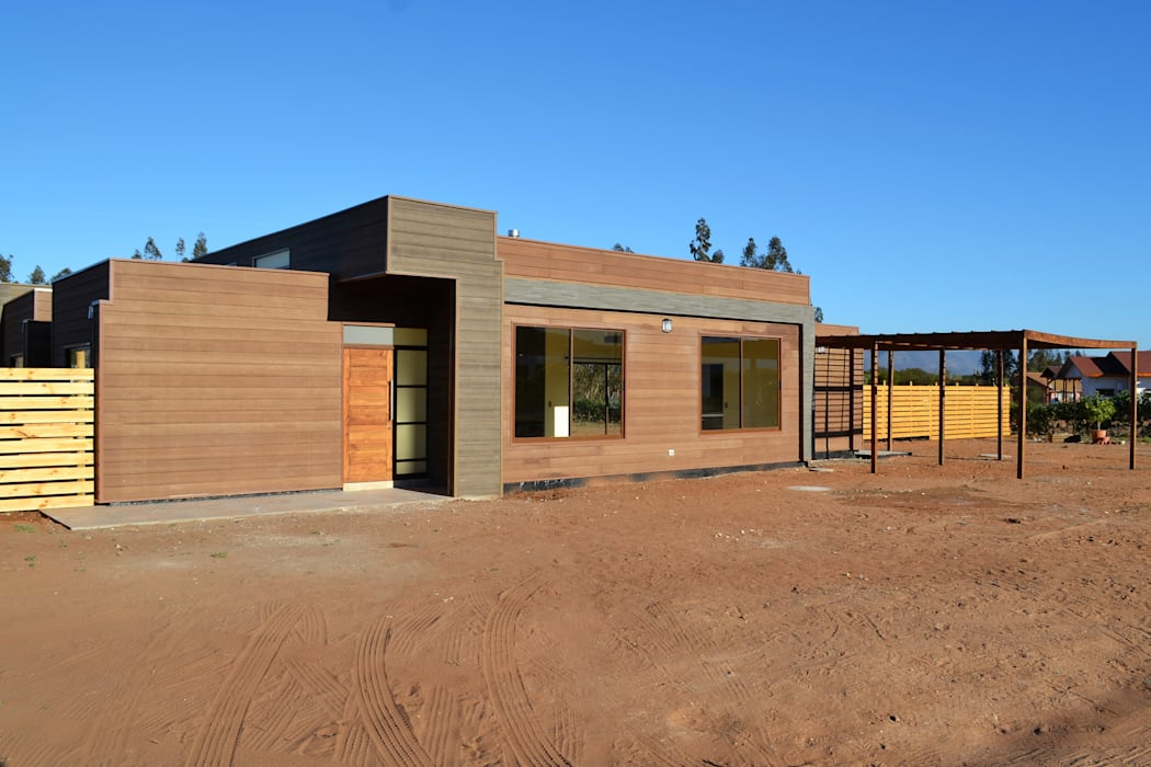 Prefabricated home by Casas Metal, Mediterranean Metal