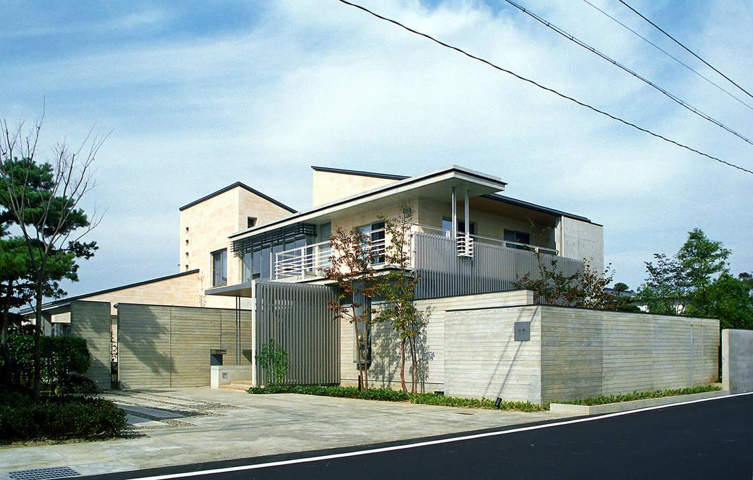 RC造の三世代住宅|六条の家: シーズ・アーキスタディオ建築設計室が手掛けた家です。,モダン