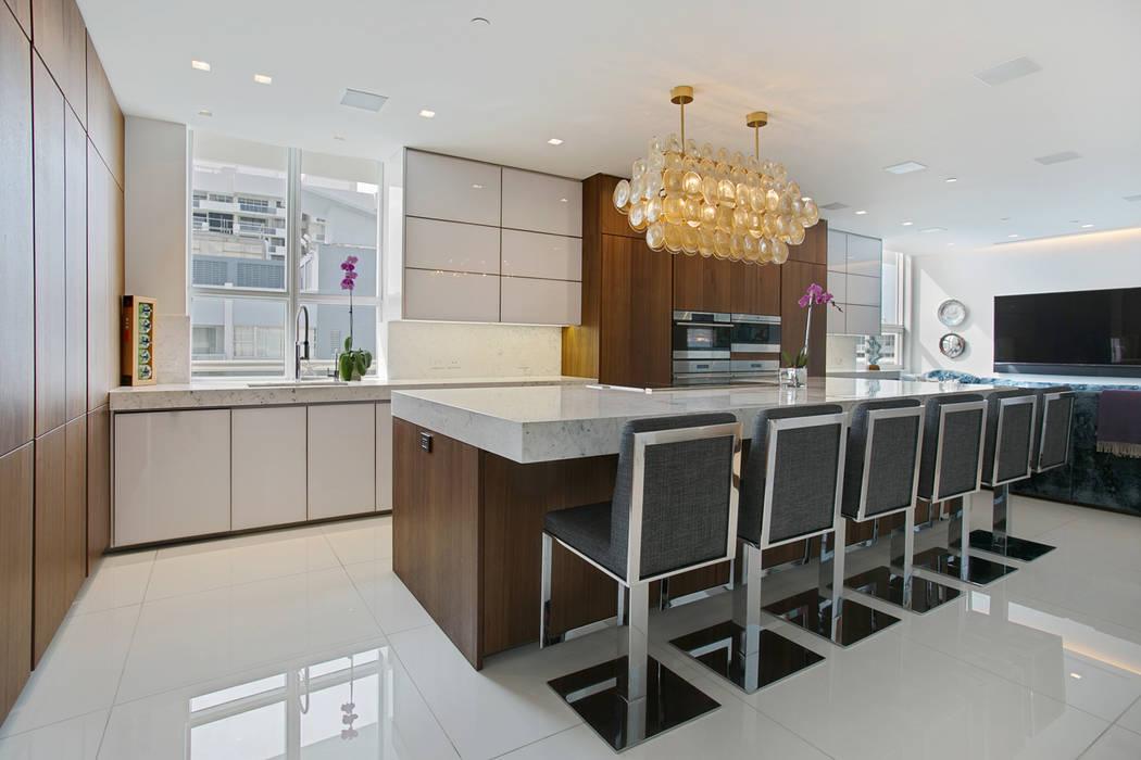 モダンな キッチン の ALNO North America モダン