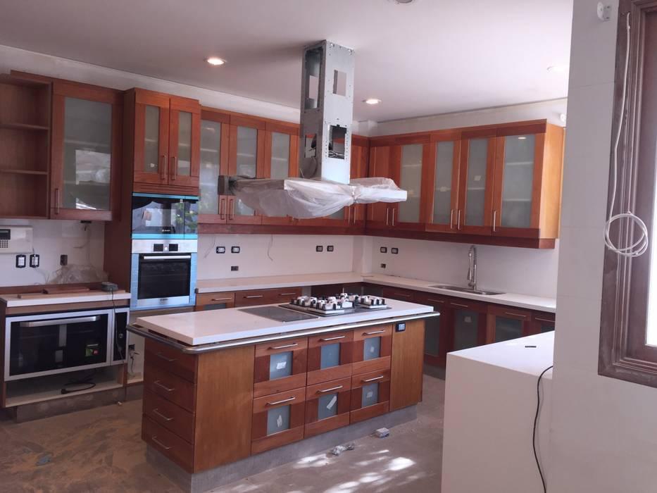 Kitchen by MueblesIVS,