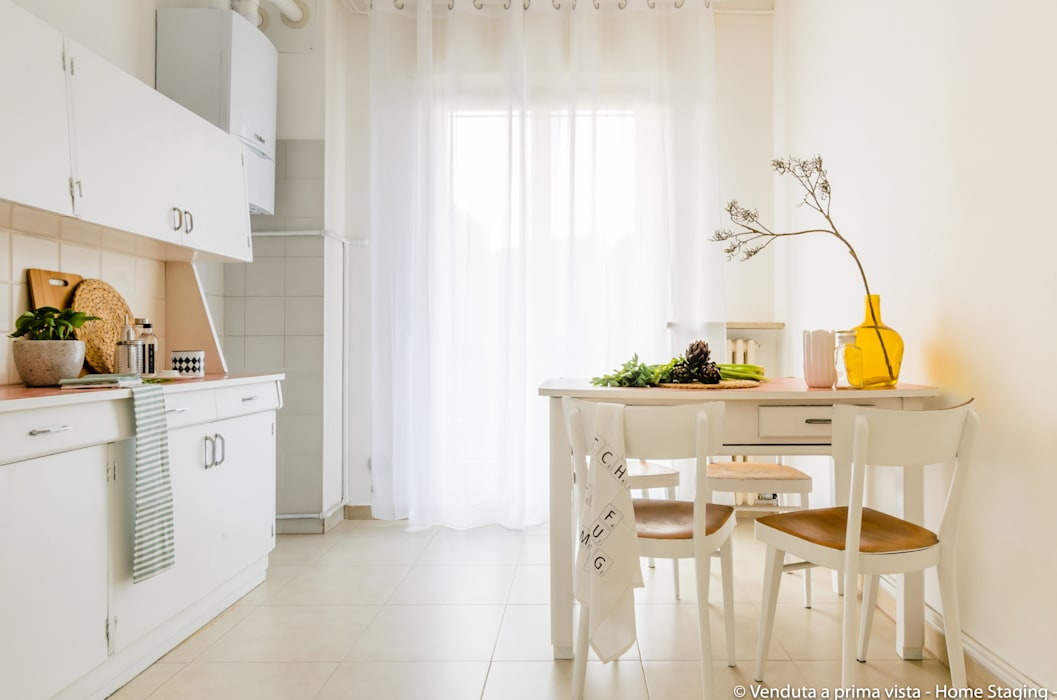 Venduta a Prima Vista Scandinavian style kitchen