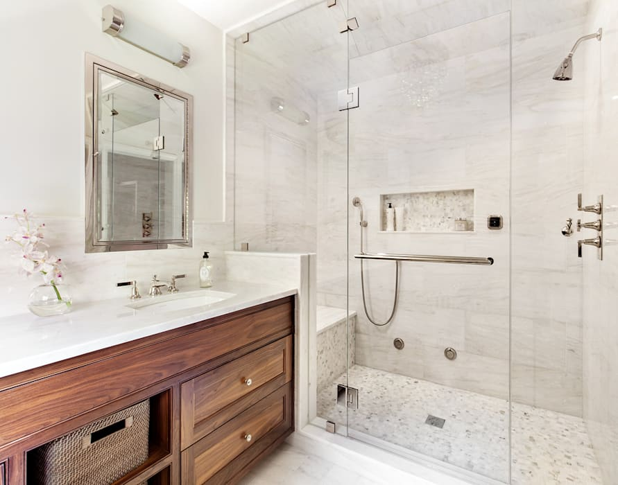 Master Bath Classic style bathroom by Clean Design Classic
