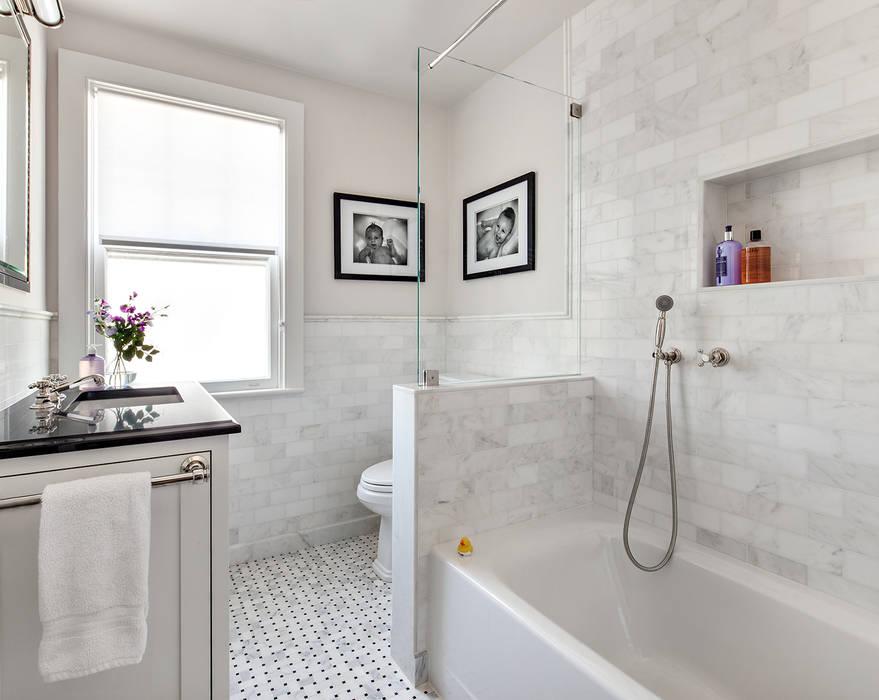 Kids' Bath 現代浴室設計點子、靈感&圖片 根據 Clean Design 現代風