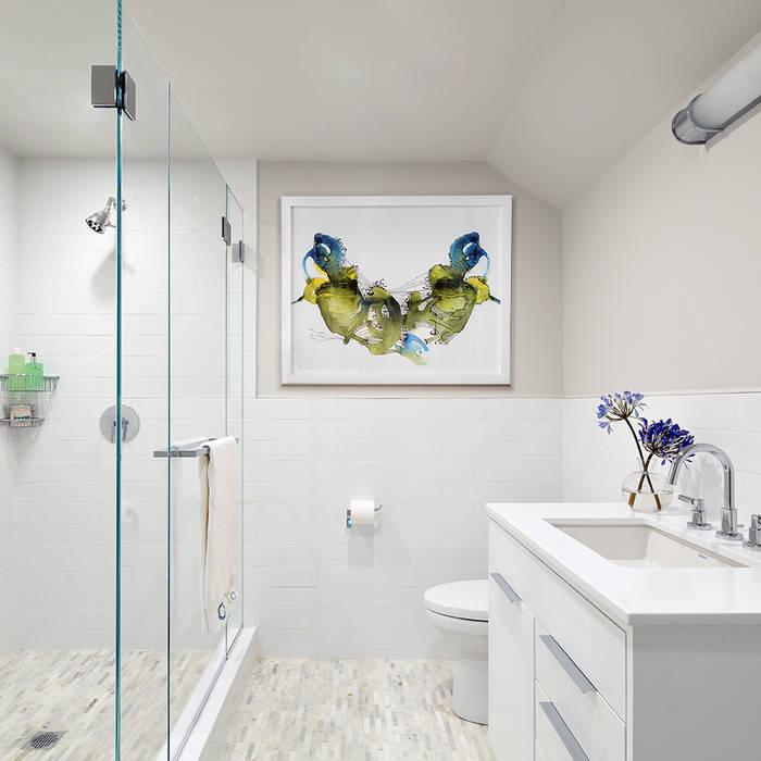 Hall Bath:  Bathroom by Clean Design, Modern