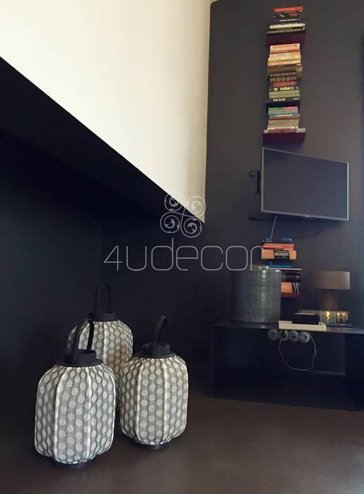 Sala de estar em tons escuros 4Udecor Microcimento Sala de estarAcessórios e Decoração Preto