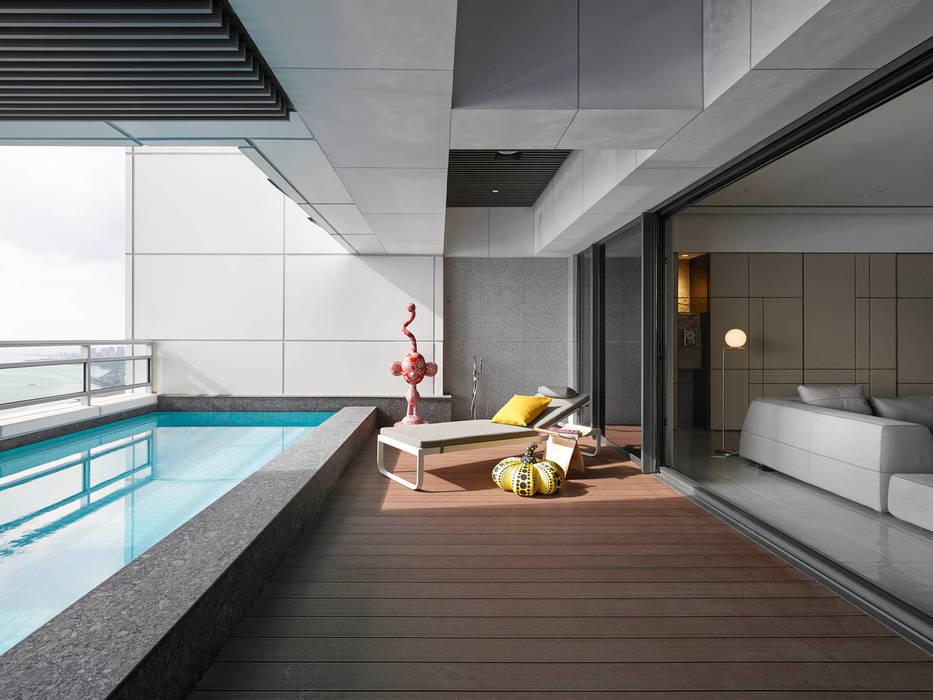 Timeless  慢行:  泳池 by 水相設計 Waterfrom Design, 簡約風