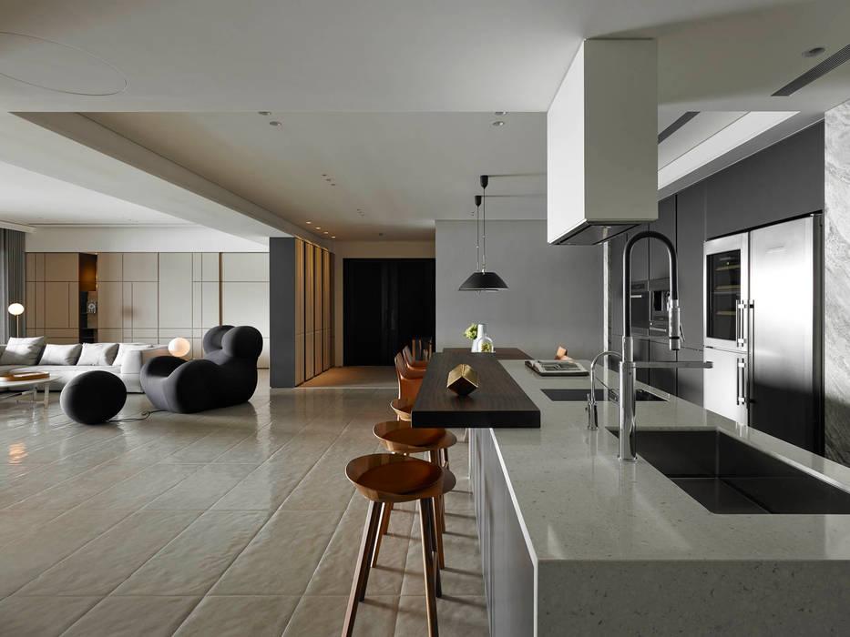 Nhà bếp phong cách tối giản bởi 水相設計 Waterfrom Design Tối giản