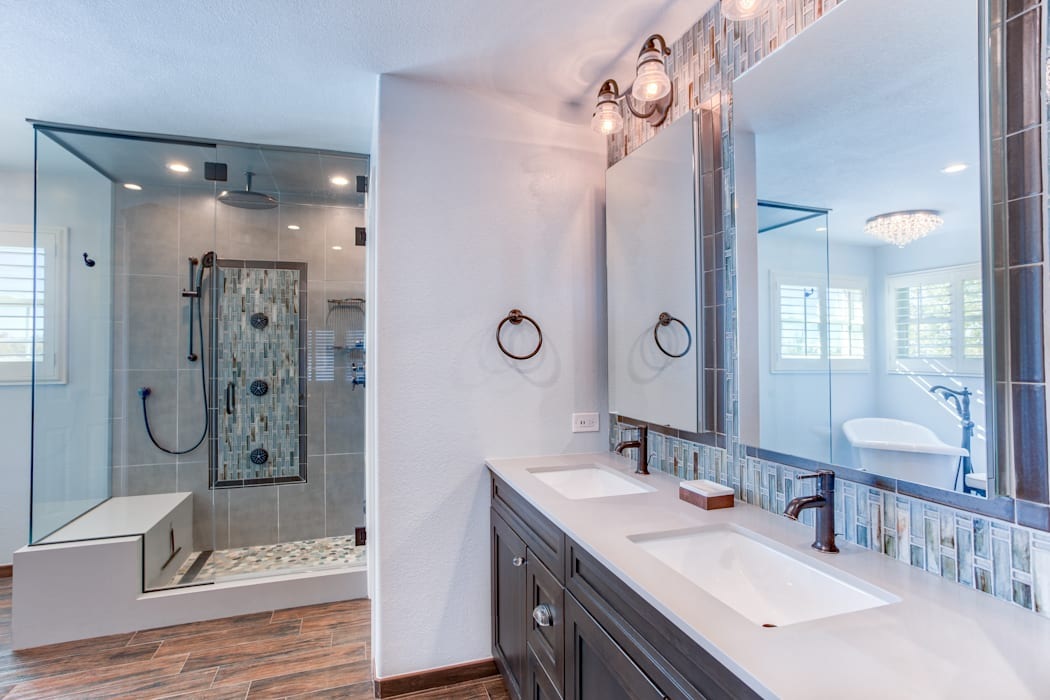 Country Estates Master Bath :  Bathroom by Studio Design LLC,