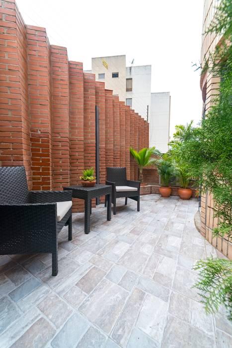 Apartamento 8E: Terrazas de estilo  por Objetos DAC,
