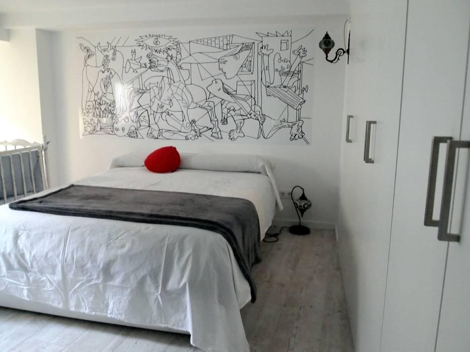Reforma integral de piso en Opera Dormitorios de estilo moderno de Reformmia Moderno