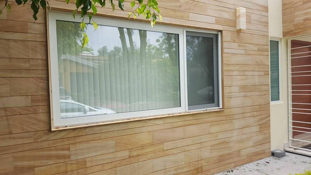 Salle de bain moderne par amieva cristalum Moderne Plastique