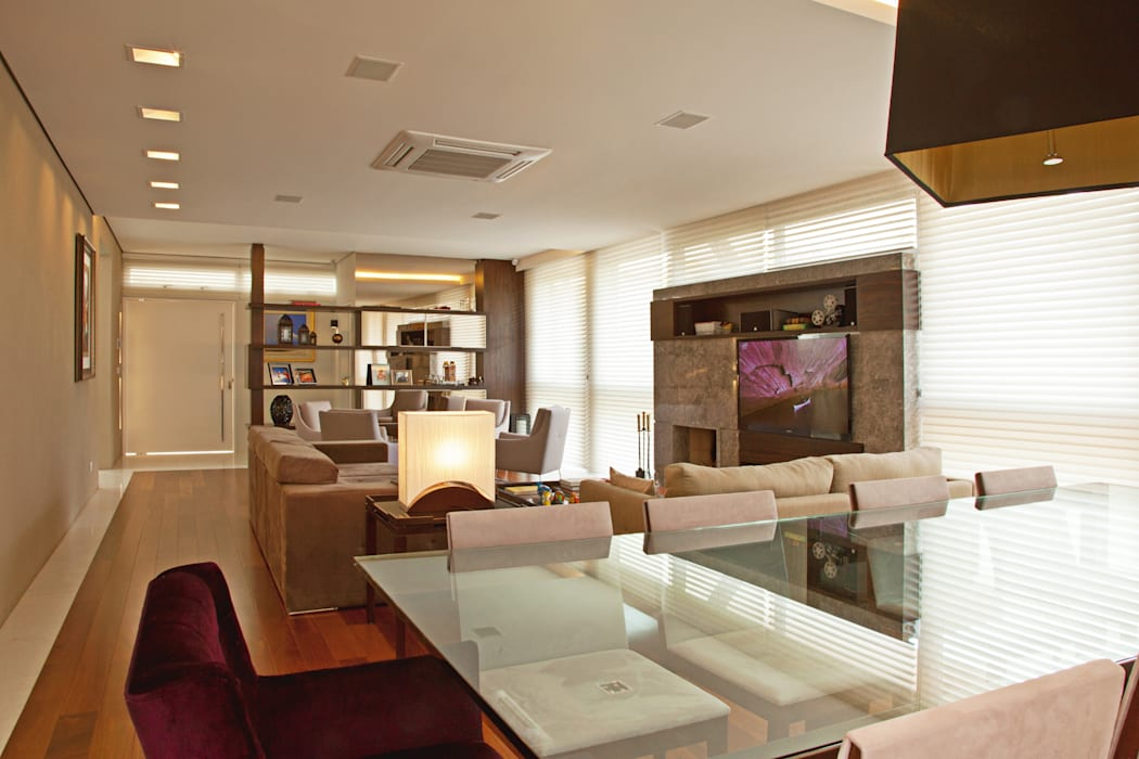 Studio Leonardo Muller Modern dining room Wood Beige