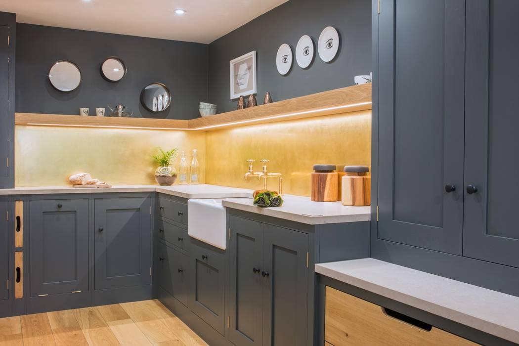 Modern Industrial Kitchen Nhà bếp phong cách công nghiệp bởi homify Công nghiệp Than củi Multicolored