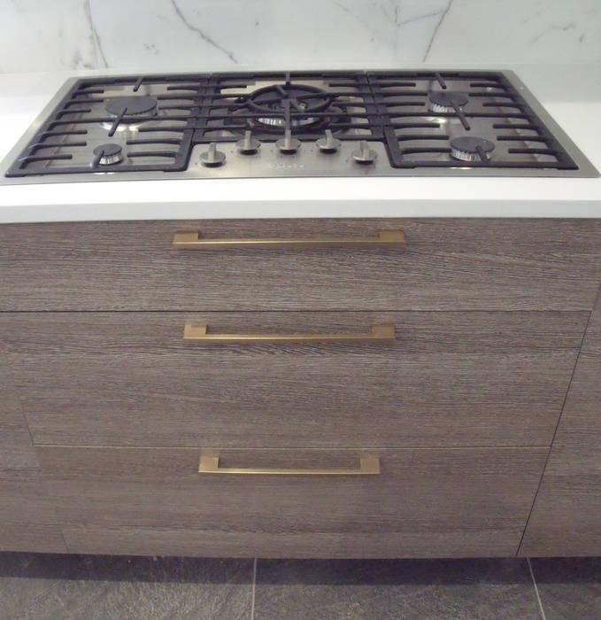 Modern Shore House kitchen:  Kitchen by Kitchen Krafter Design/Remodel Showroom