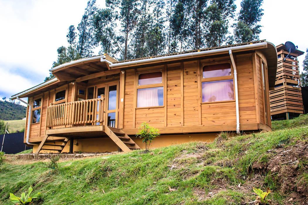 Casas de estilo moderno de Taller de Ensamble SAS Moderno Madera Acabado en madera