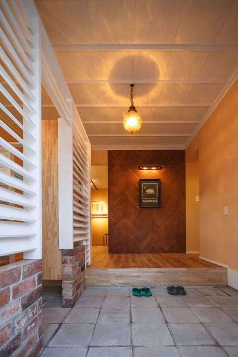 HOUSE-04(renovation) クラシカルスタイルの 玄関&廊下&階段 の dwarf クラシック