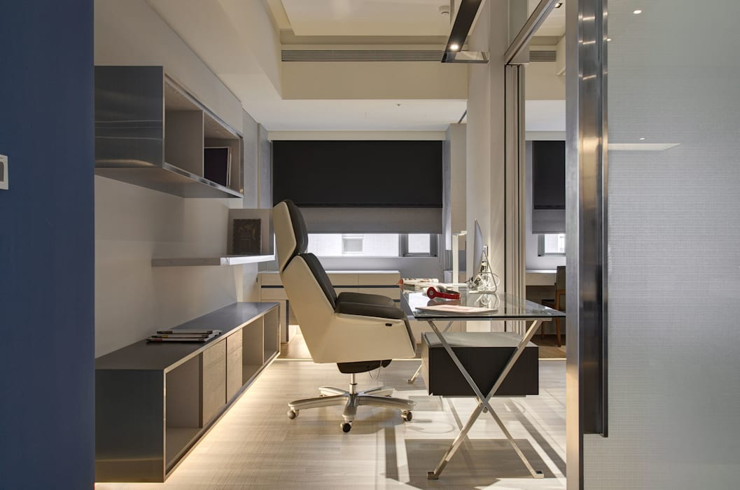 Study/office by Taipei Base Design Center,