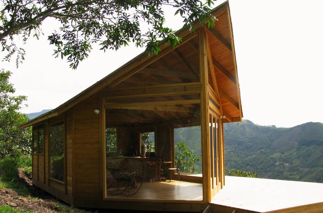 Taller de Ensamble SAS Modern home Wood Wood effect
