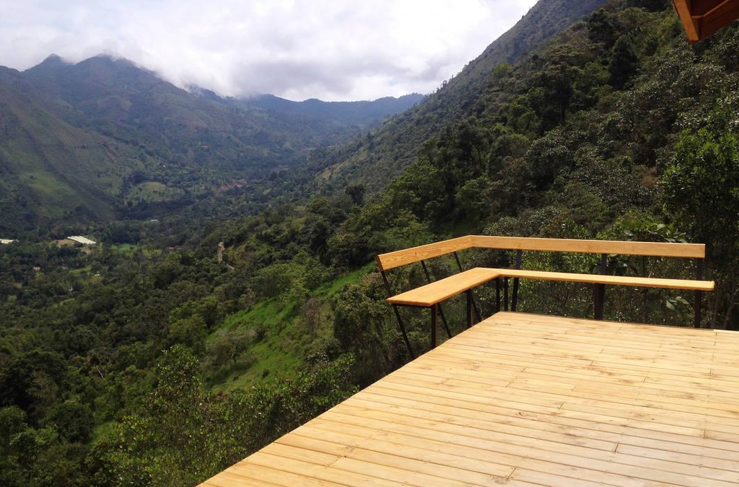 Suite de madera TdE Taller de Ensamble SAS Balcones y terrazas de estilo moderno Madera Acabado en madera