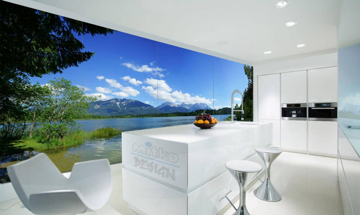 Glasbild als volle glaswand… : moderne küche von mitko design | homify