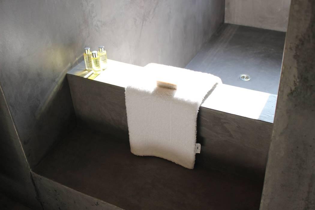 casa SS interiors: Casas de banho  por Artspazios, arquitectos e designers