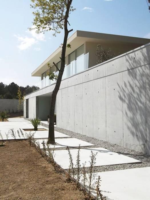 Casa Claudia: Jardins  por Artspazios, arquitectos e designers