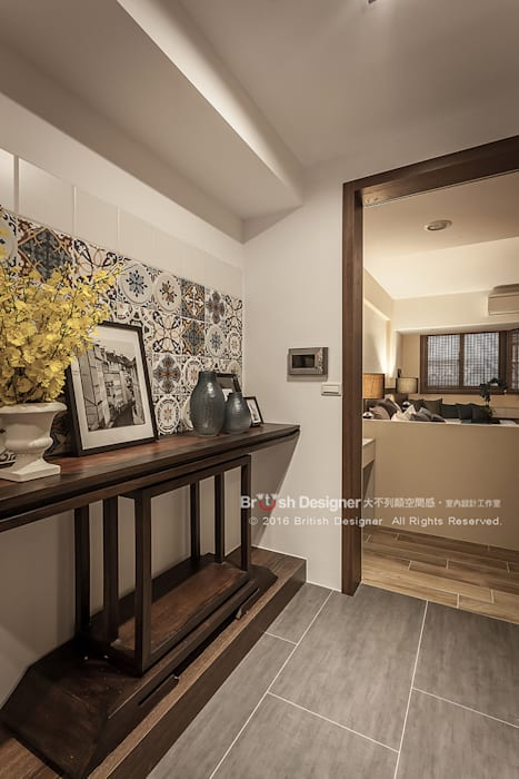 新東方-梯間,東方:  走廊 & 玄關 by 大不列顛空間感室內裝修設計